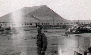 Field maintenance hangar